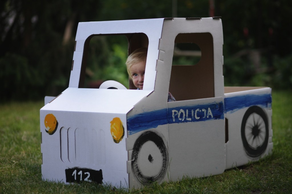 Znalezione obrazy dla zapytania pojazdy z kartonu